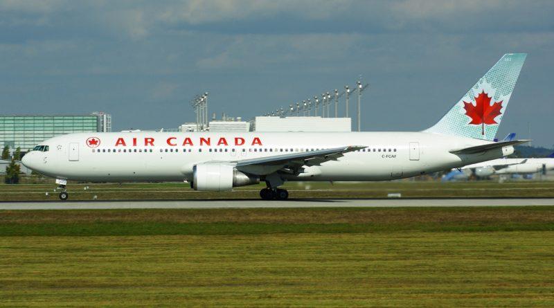 Air_Canada_B767-300_C-FCAF