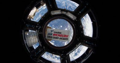 A picture of Air Richelieu college's badge in the ISS
